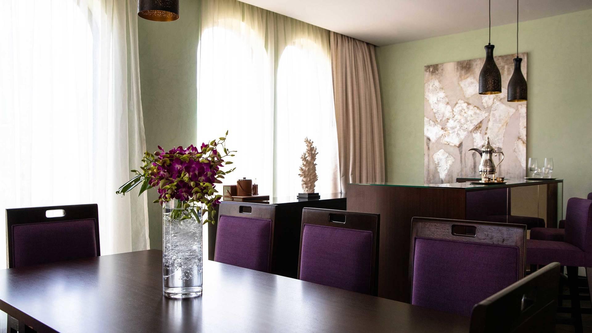 16-9_Jumeirah-Royal-Saray---Garden-Villa-Dining-Area