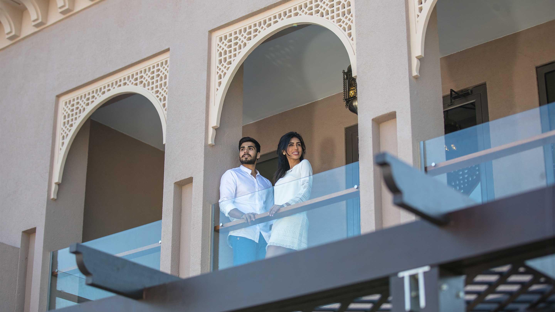 16-9_Jumeirah-Royal-Saray---Villa---Balcony