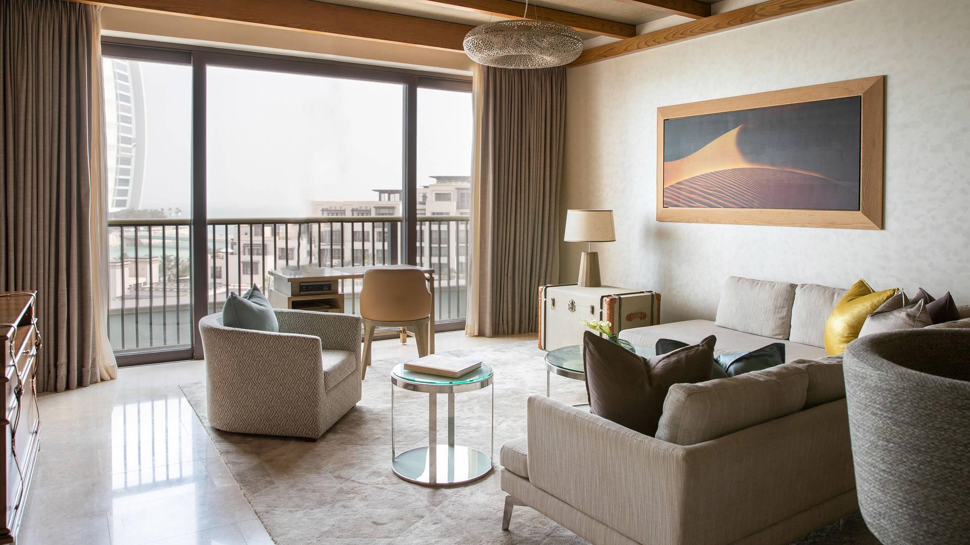 Ocean-Suite-Living-Room-_Jumeirah-Al-Naseem