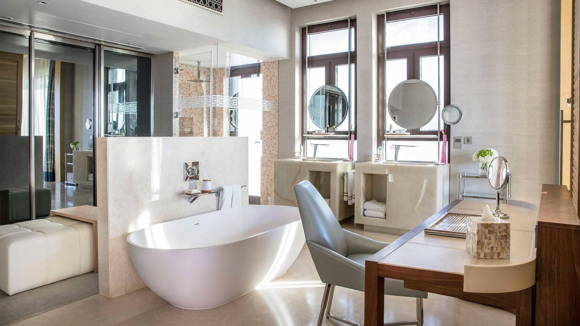 16-9_Jumeirah-Al-Naseem---Presidential-Suite-Master-Bathroom