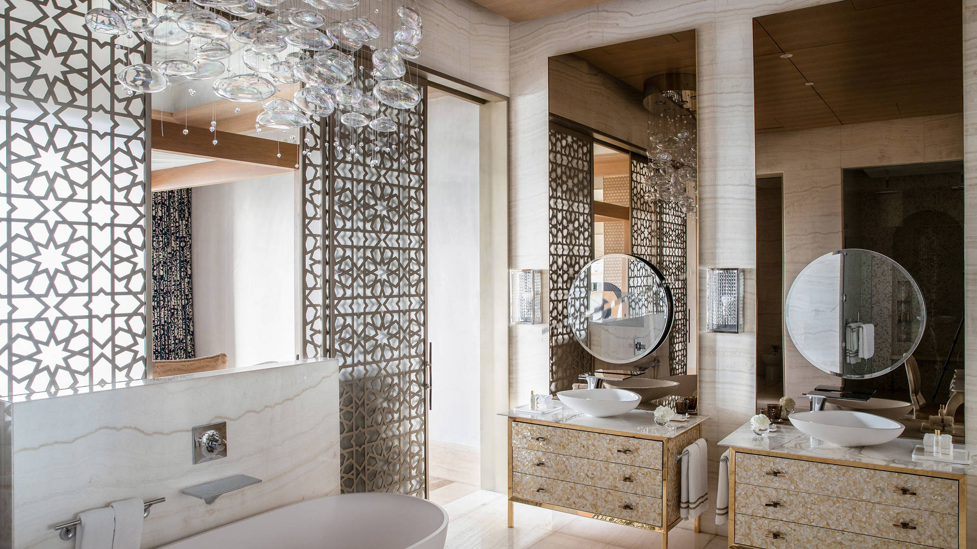 Bedroom-Bathroom-Jumeirah-Al-Naseem-Royal-Suite-Master
