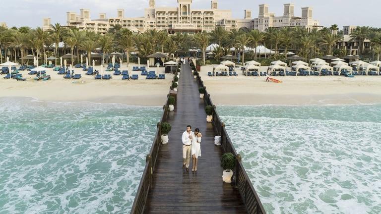 Pier Beach Couple at Jumeirah Al Qasr