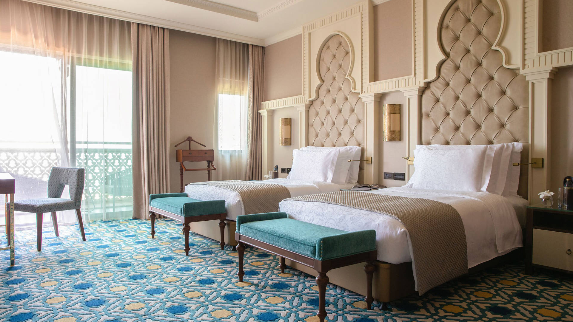 Presidential Suite Twin beds at Jumeirah Al Qasr