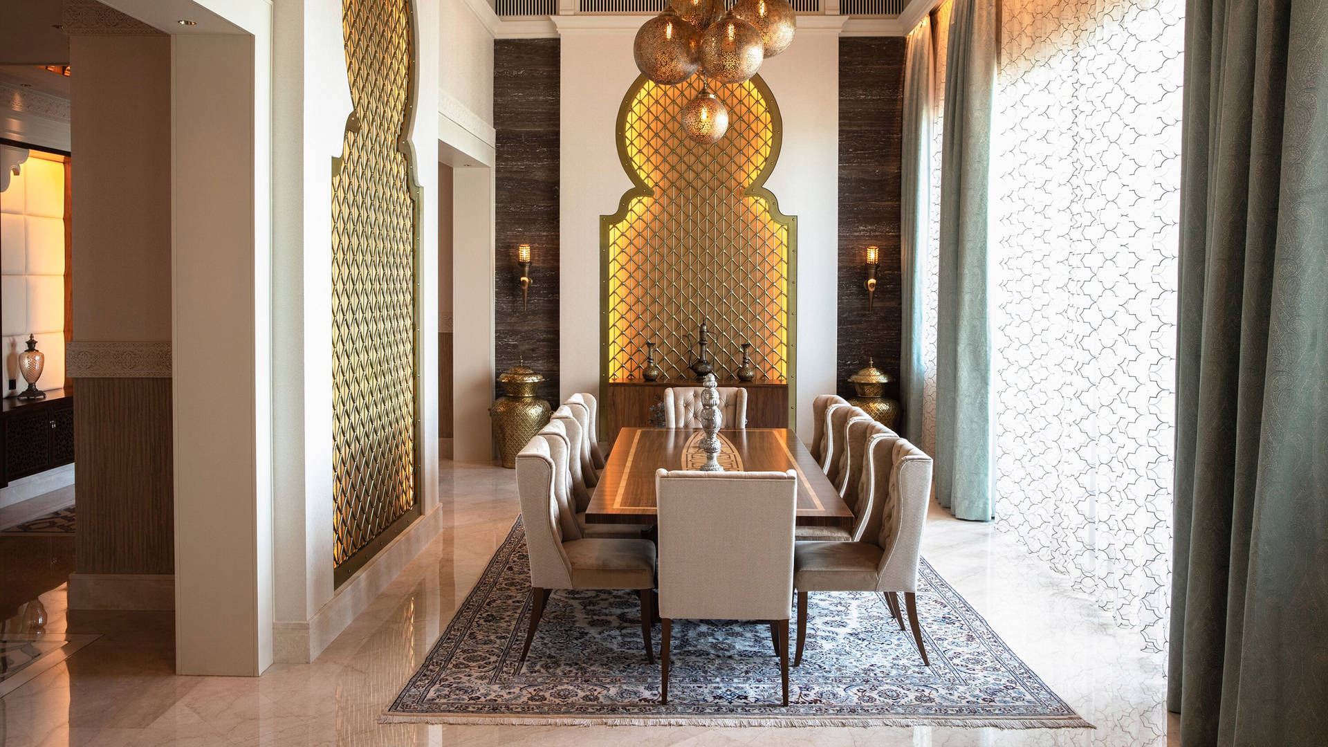 Royal-Suite-Dining-Room-Jumeirah-Al-Qasr