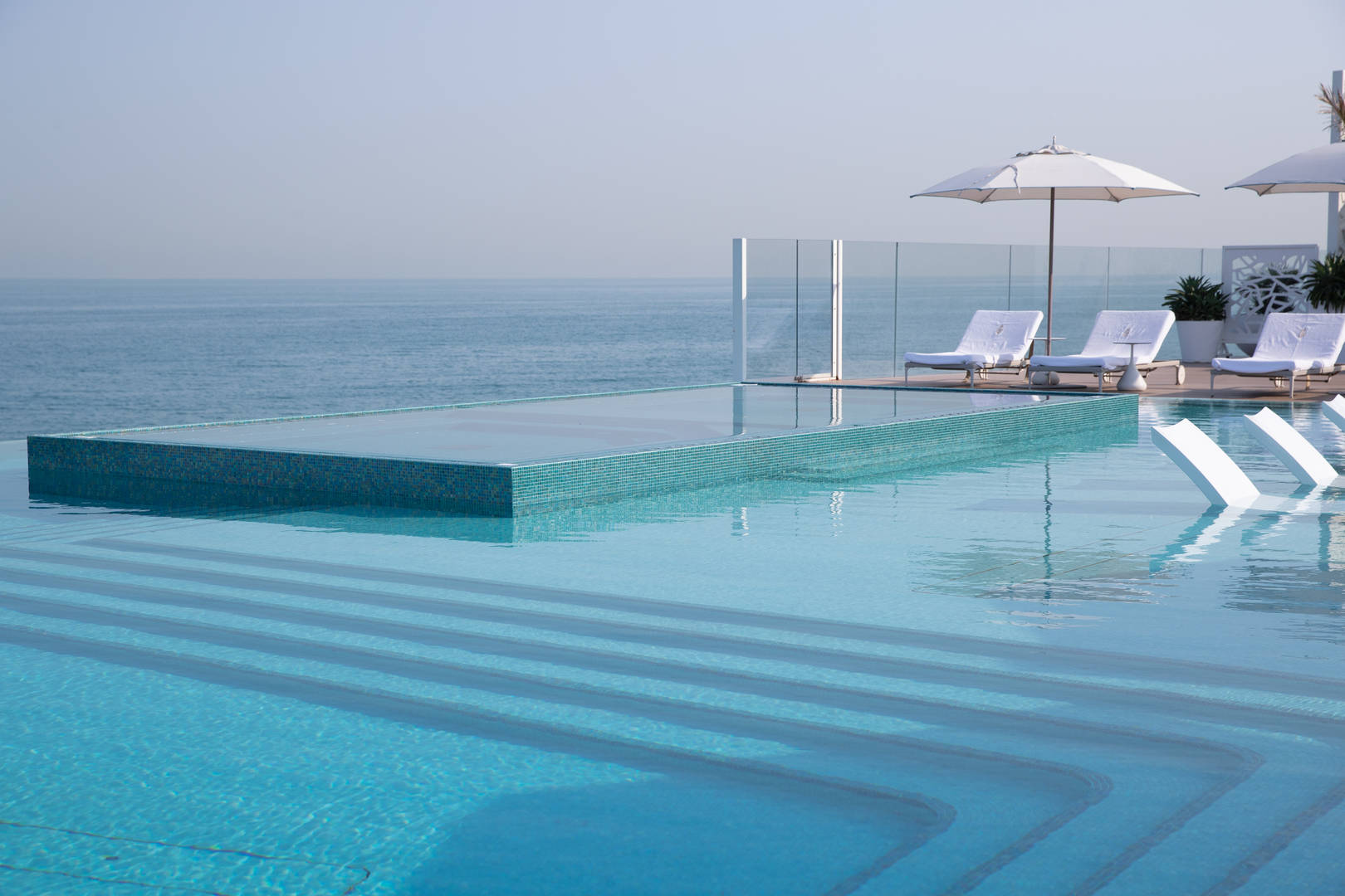 Jumeirah Burj Al Arab Terrace infiniti pool with view of the ocean