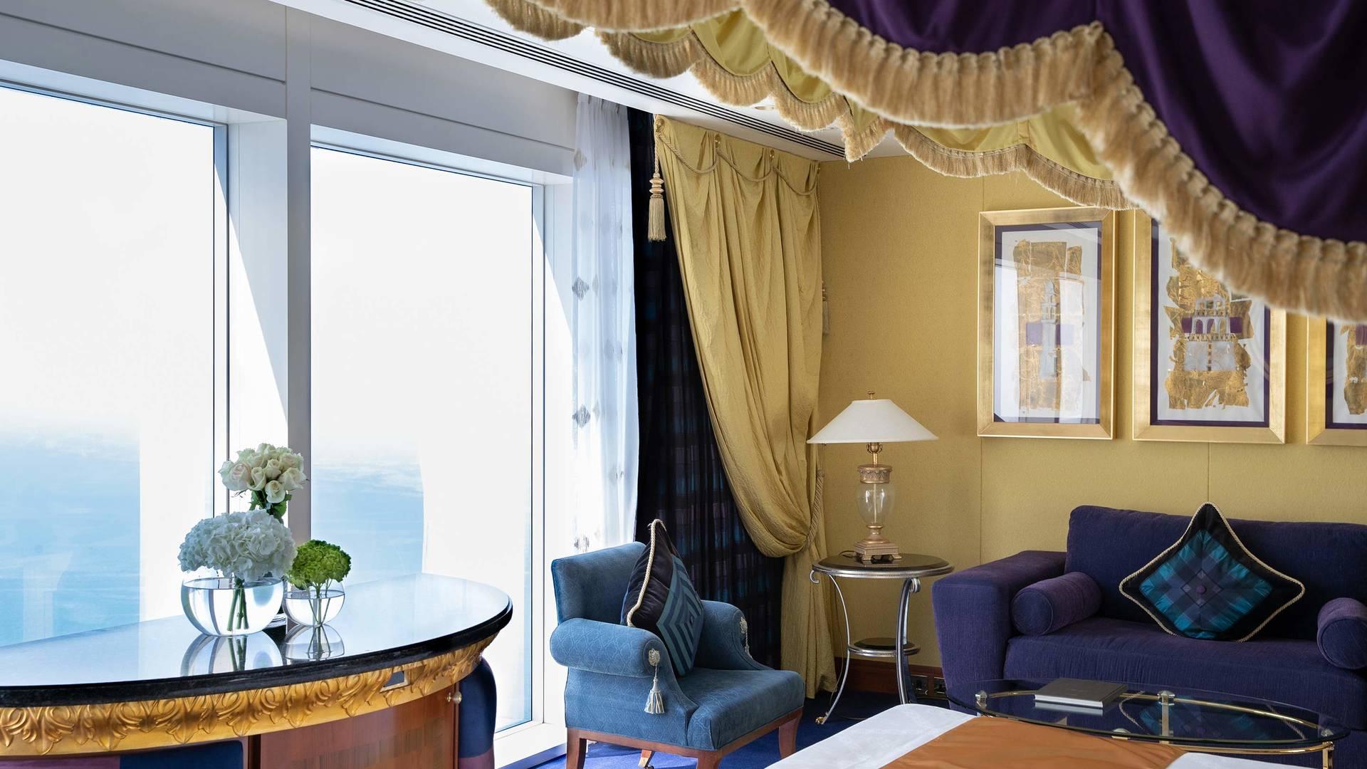 Jumeirah Burj Al Arab Club one bedroom suite bedroom detail_16-9