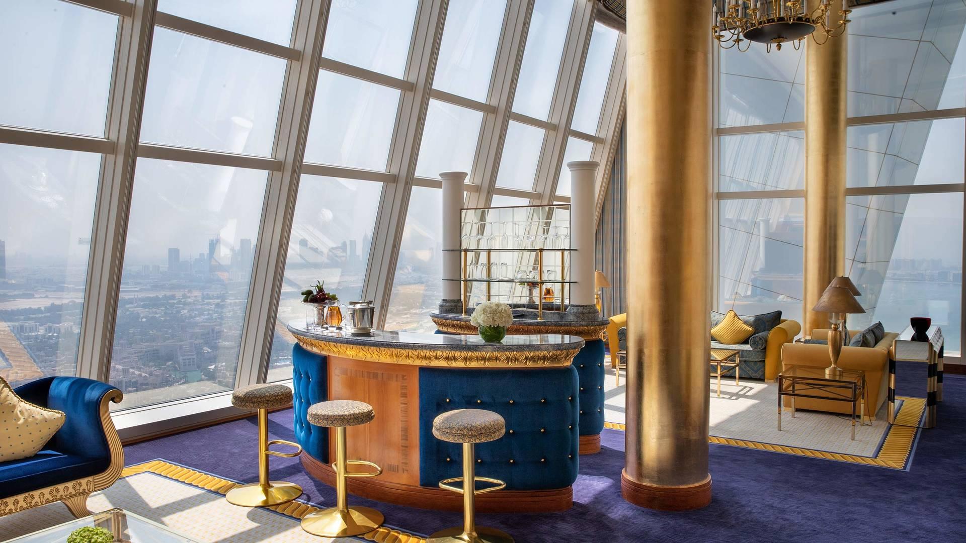 Jumeirah Burj Al Arab Club suite livingroom_16-9