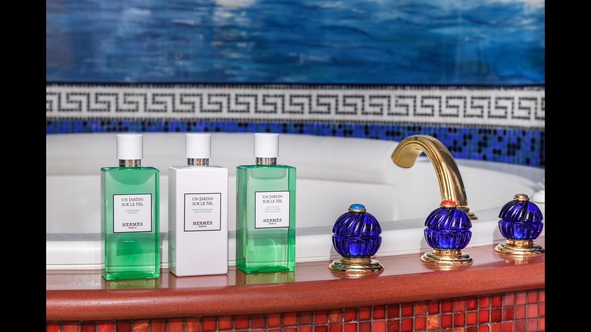 Jumeirah Burj Al Arab two bedroom family suite bathroom
