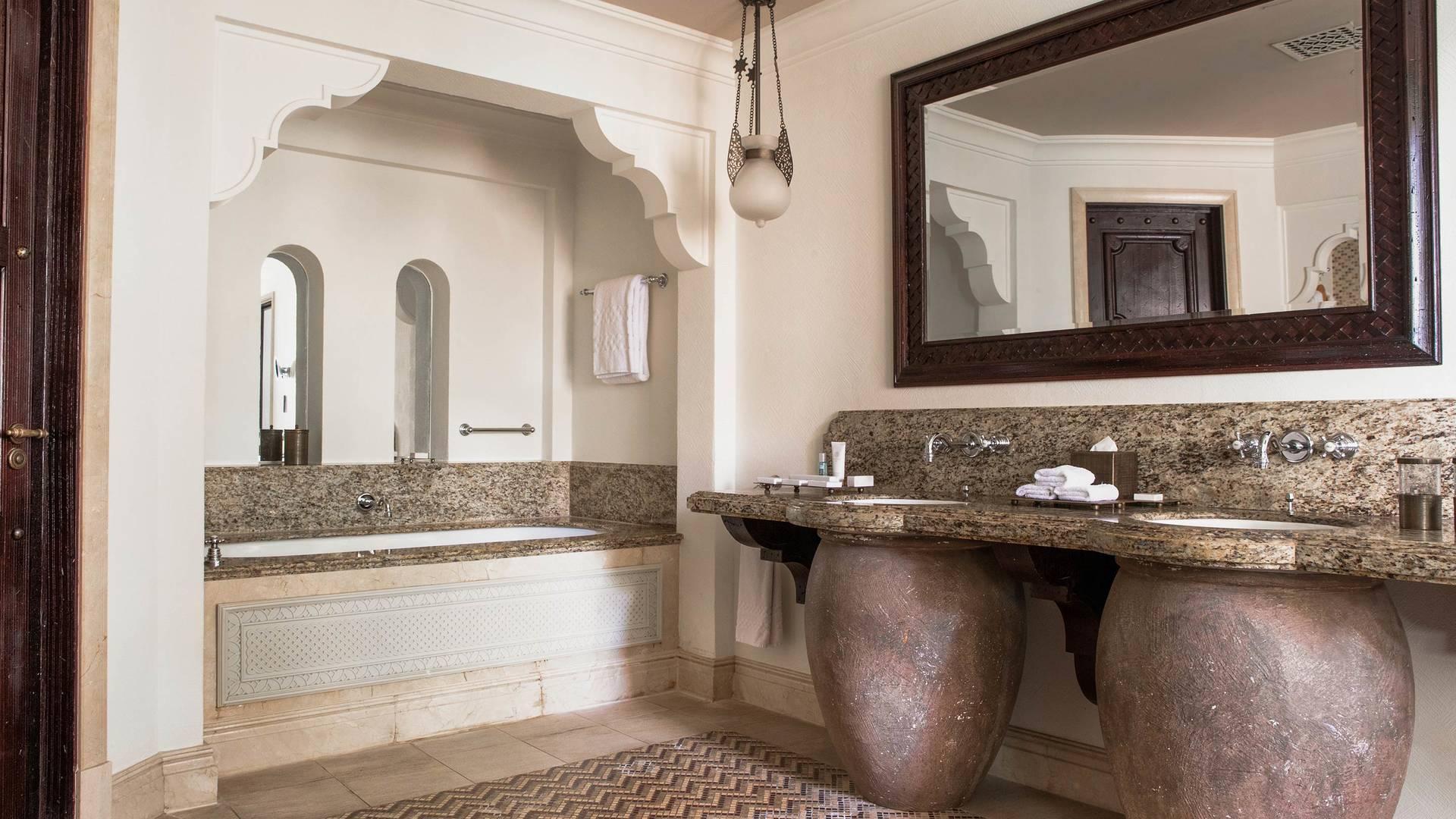 Jumeirah Dar Al Masyaf arabian summerhouse deluxe bathroom_16-9