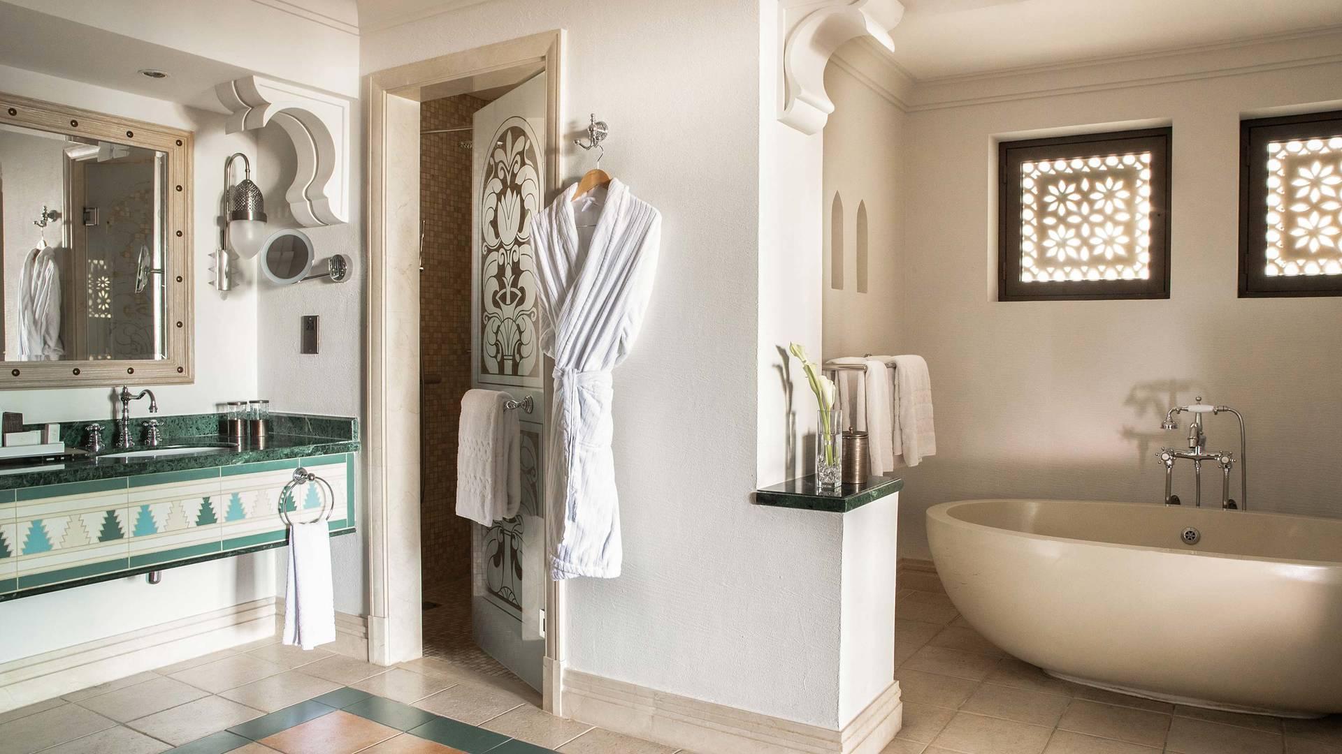Jumeirah Dar Al Masyaf gulf summerhouse arabian deluxe bathroom_16-9