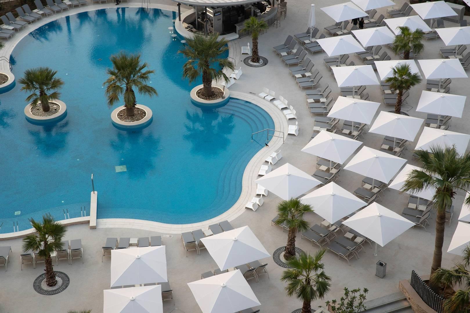Дубай отель jumeirah вилла в лесу