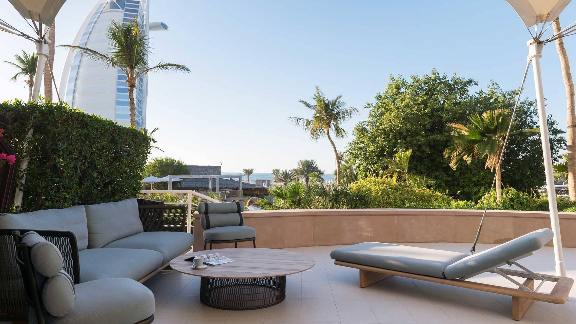 Jumeirah-Beach-Hotel---Family-Garden-Suite-Terrace-2