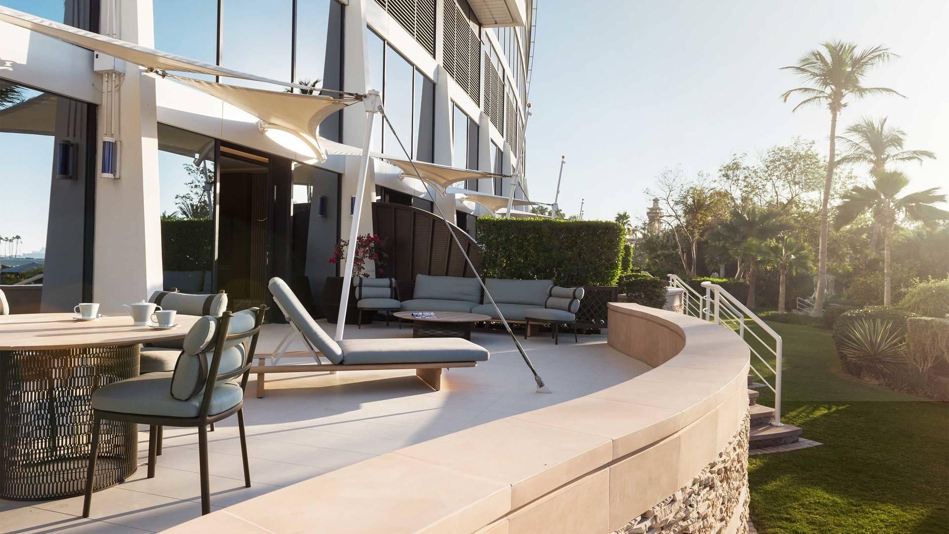 Jumeirah-Beach-Hotel---Family-Garden-Suite-Terrace