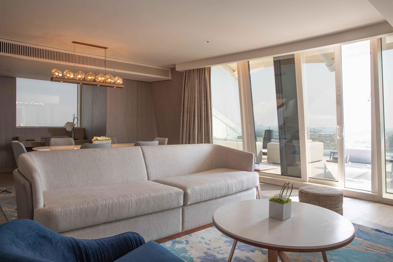 Jumeirah-Beach-Hotel-Two-Bedroom-Ocean-Suite-Living-Room