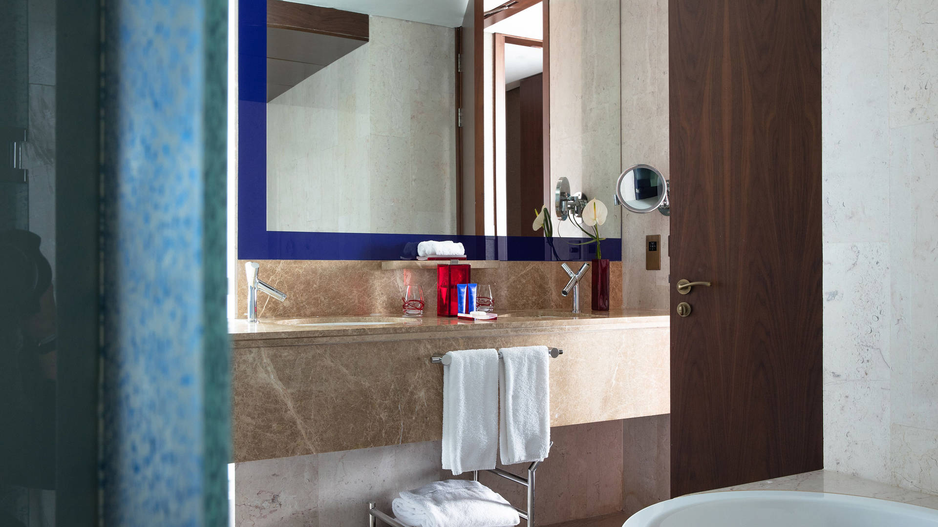 Bathroom-room-Jumeirah-Creekside-Hotel