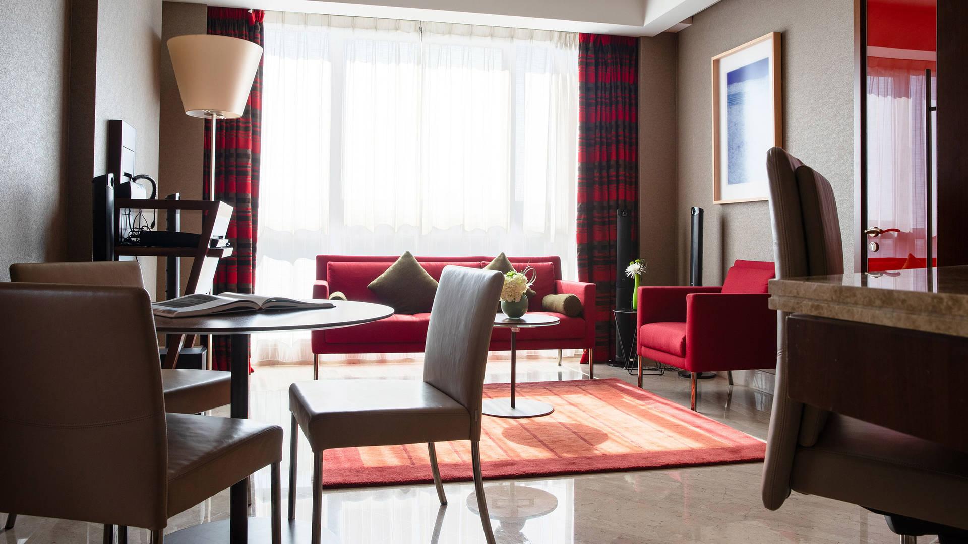 One-Bedroom-Suite-Jumeirah-Creekside-Hotel