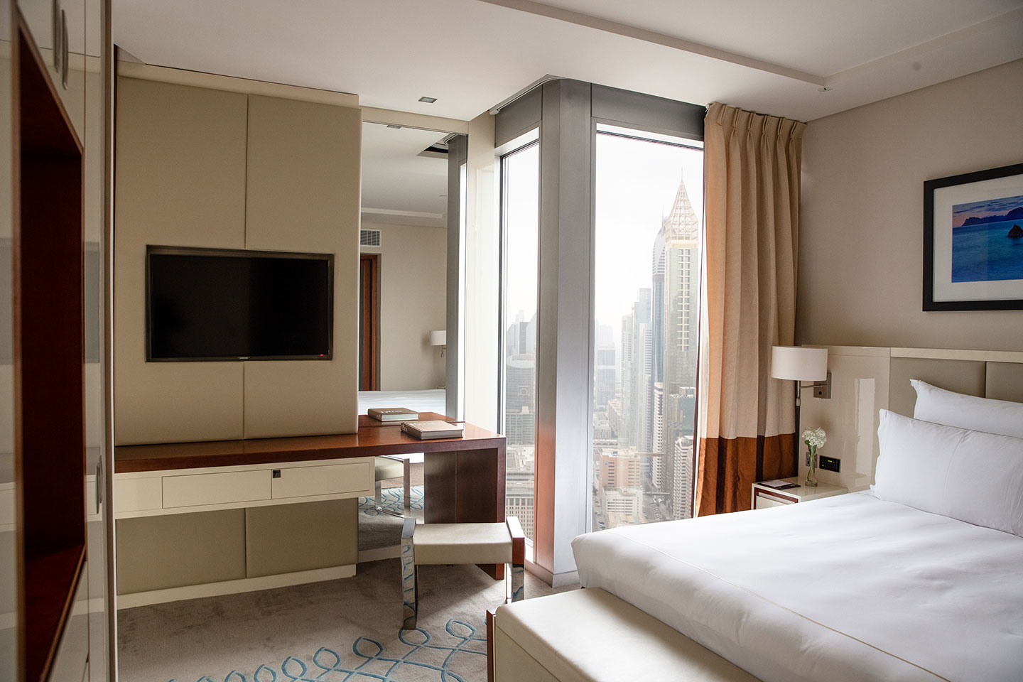Jumeirah Emirates Towers Club Junior Suite Bedroom