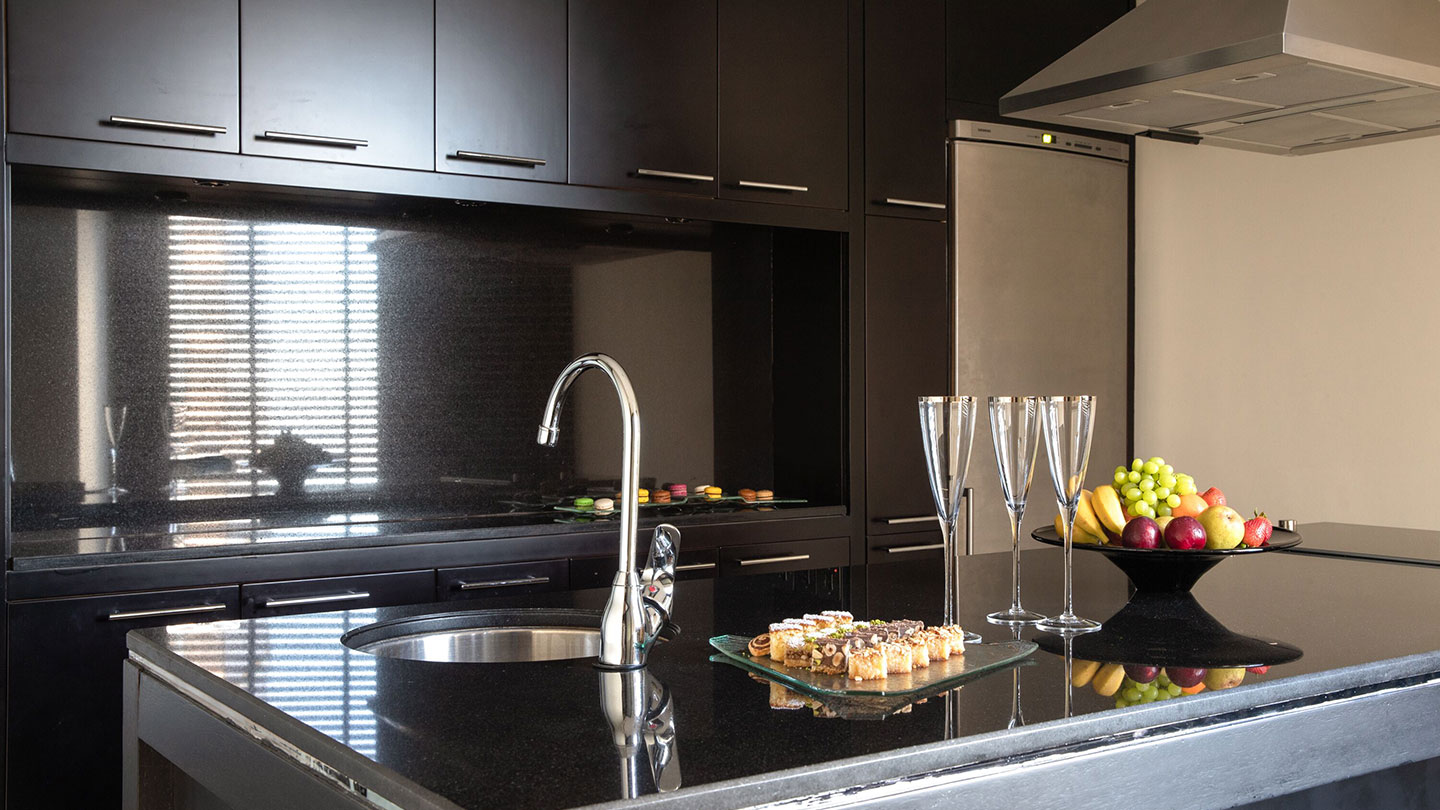 Jumeirah Emirates Towers Scandinavian Presidential Suite Kitchen