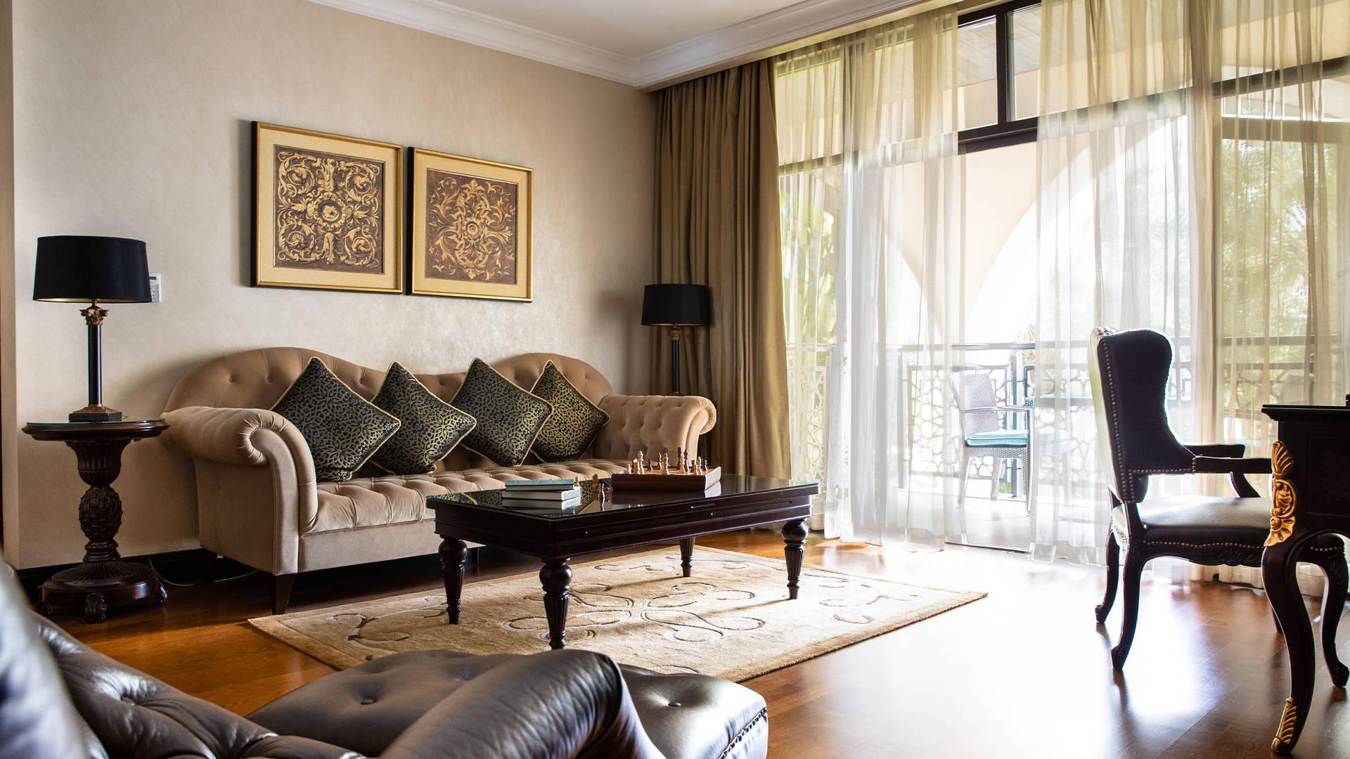 Jumeirah Zabeel Saray Seafront Royal Residences upstairs lounge area