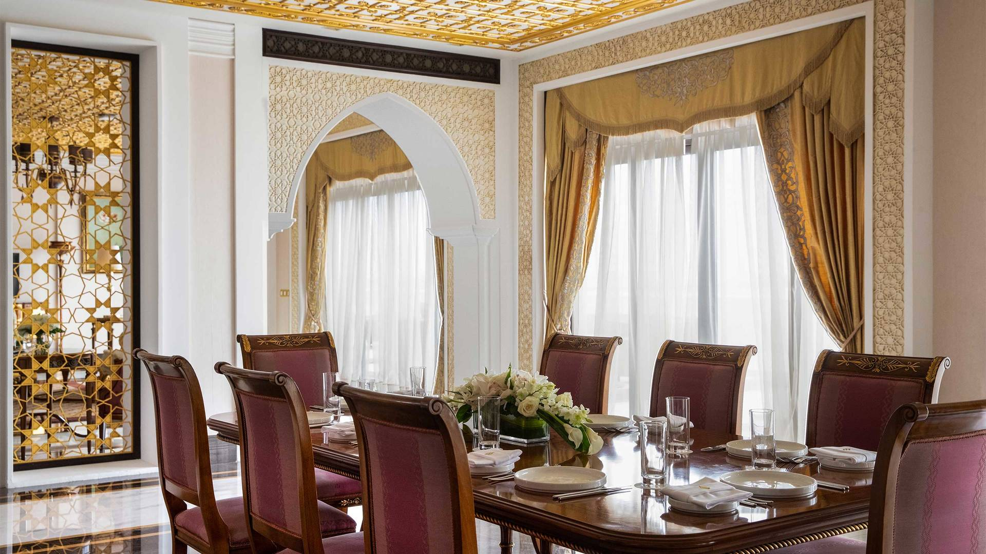 16-9_Jumeirah-Zabeel-Saray---Grand-Imperial-Suite---Dining-Area--Detailed-02