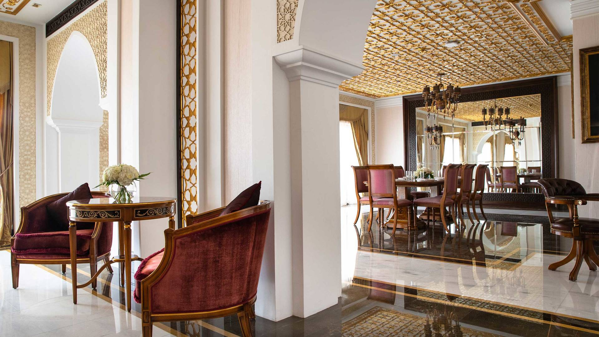 16-9_Jumeirah-Zabeel-Saray---Grand-Imperial-Suite---Dining-Room