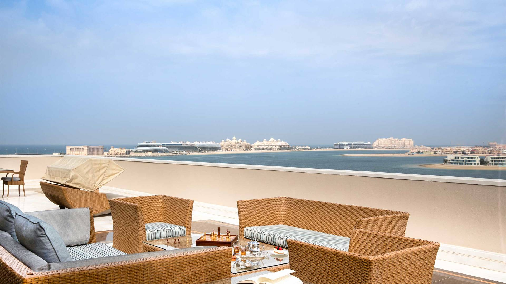 16-9_Jumeirah-Zabeel-Saray---Grand-Imperial-Suite---Terrace