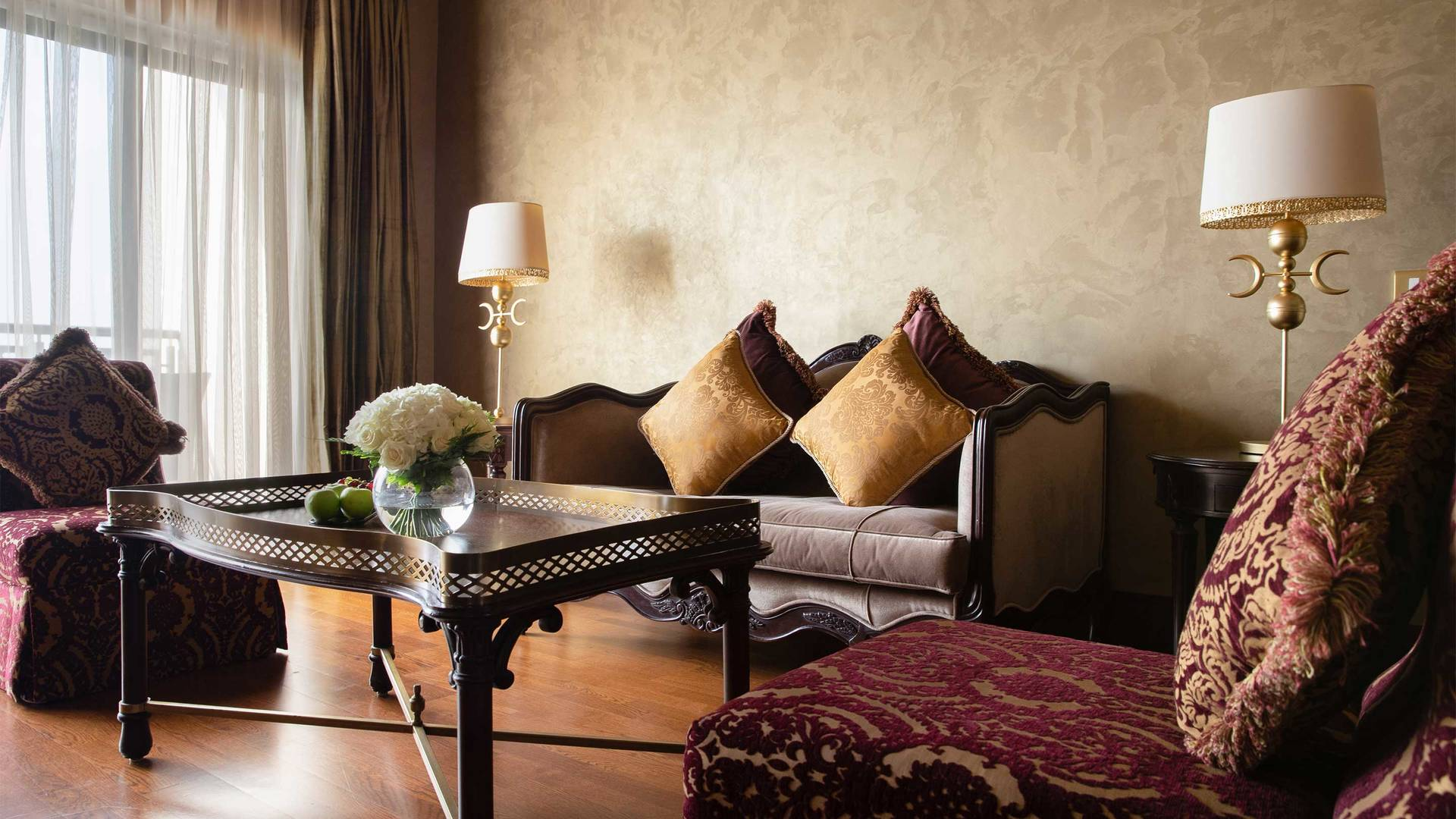 16-9_Jumeirah-Zabeel-Saray---Junior-Suite----Living-Room