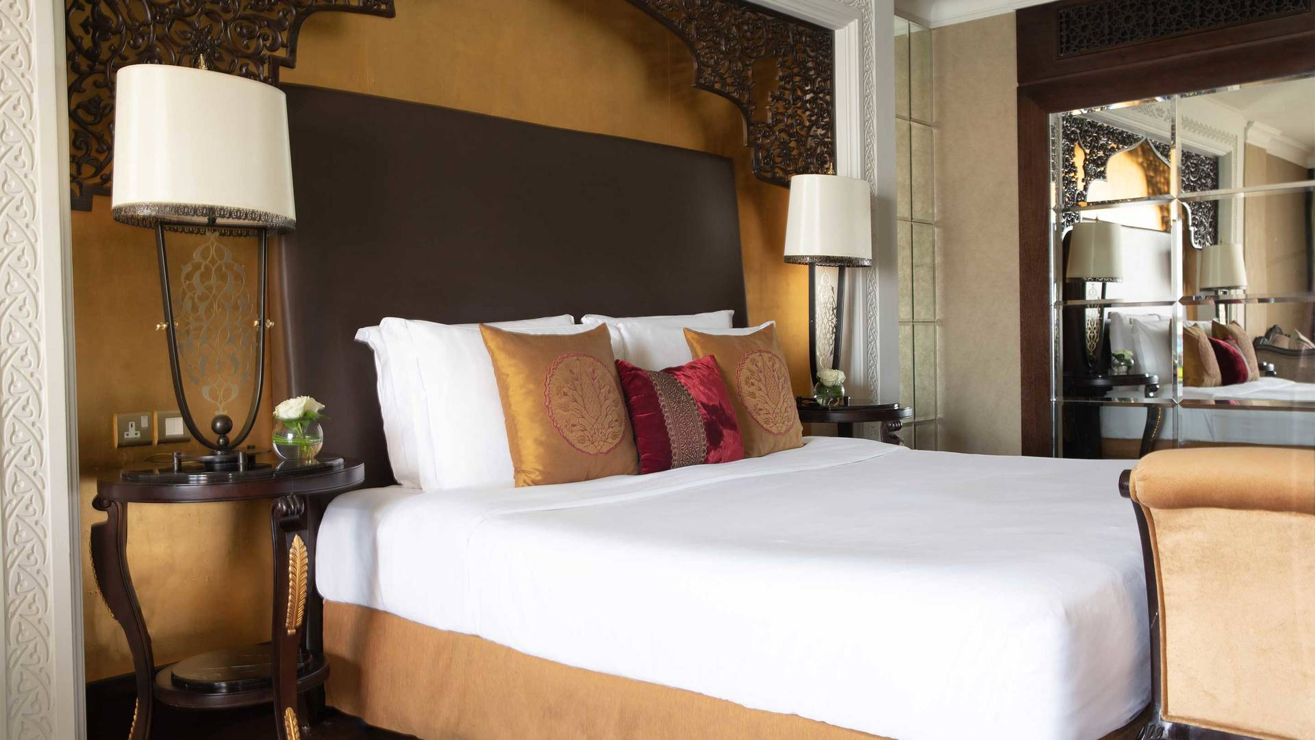 16-9 Room Jumeirah Zabeel Saray Grande Deluxe Family Detailed