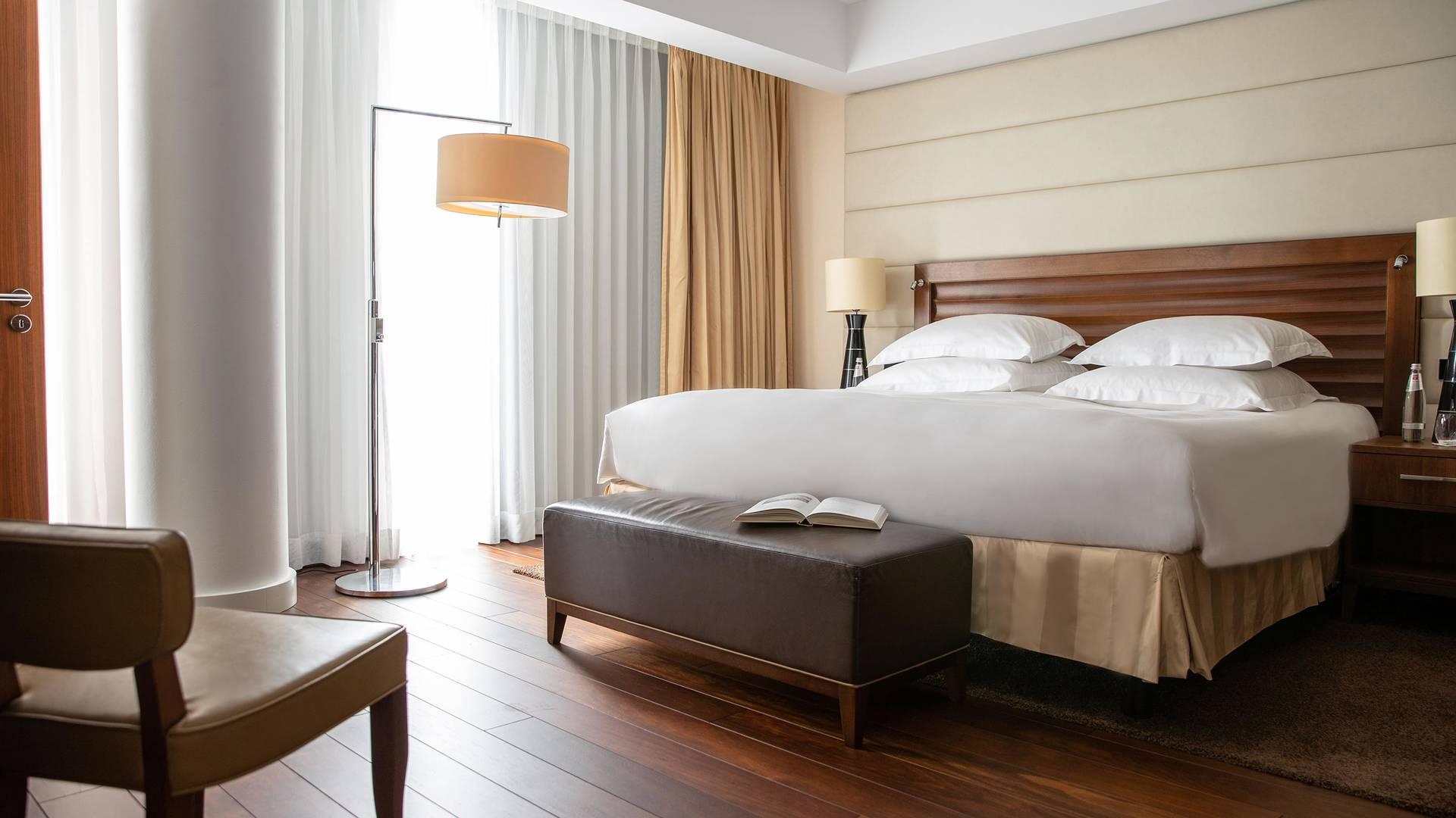Jumeirah Frankfurt Grand deluxe suite