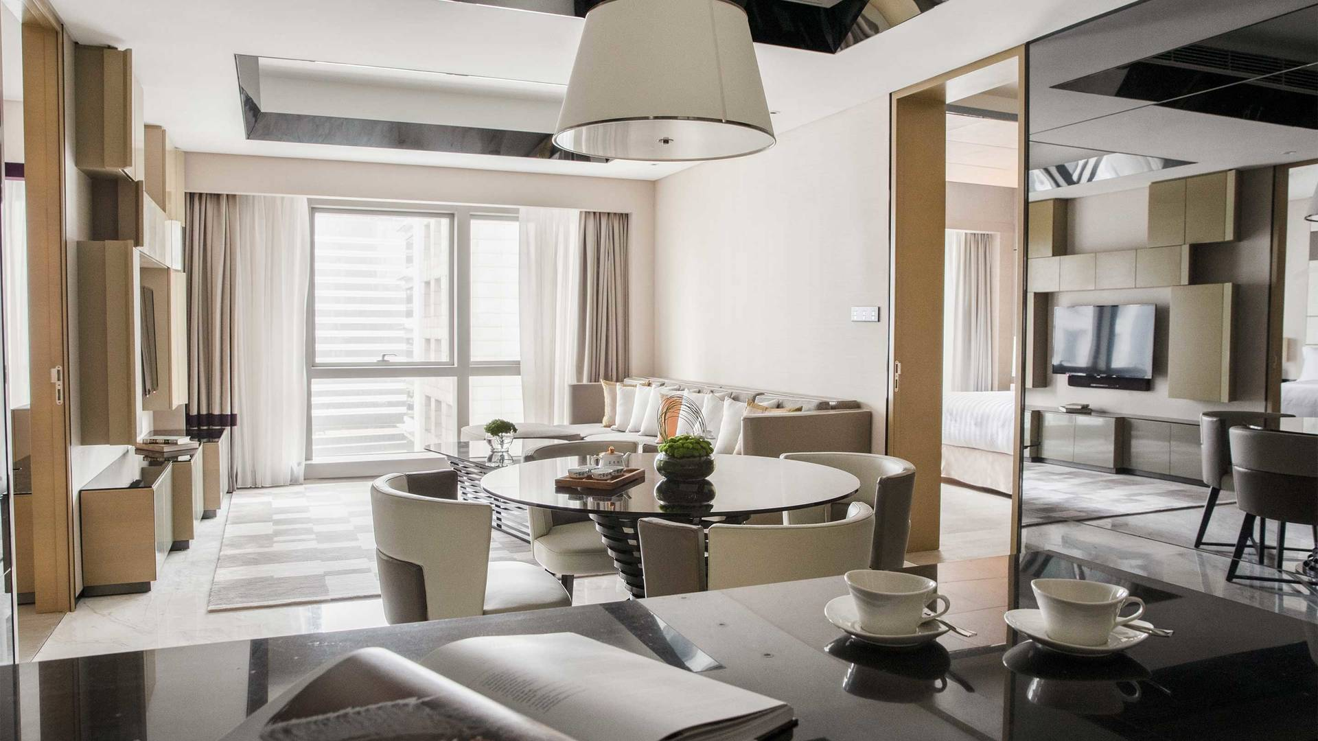 16-9 JUMEIRAH LIVING GUANGZHOU Deluxe Contemporary 2 bed room suite living room
