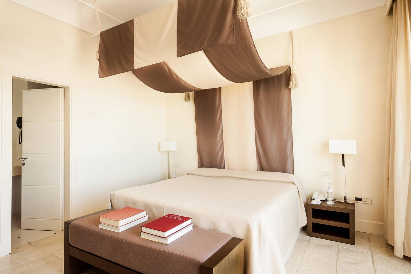 Art Suite Miro Bed room