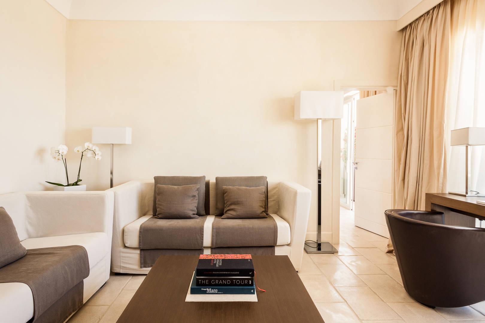Art Suite Miro living room