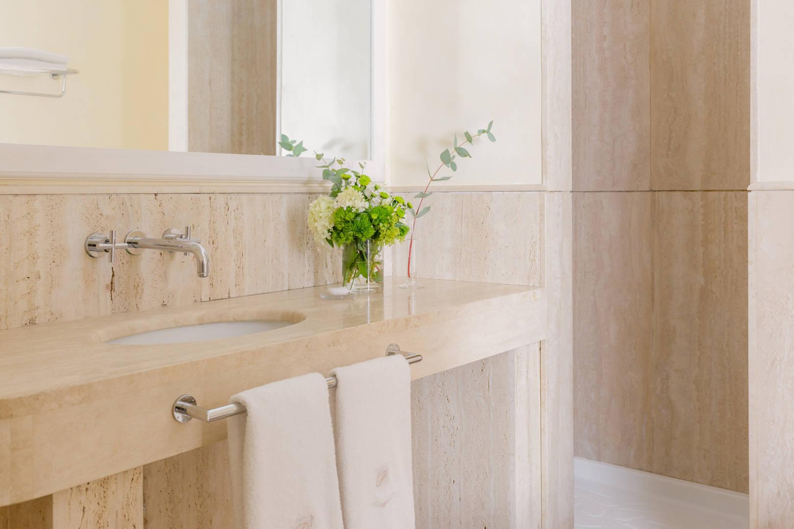 Capri Palace Jumeirah Classic Garden Side Bathroom