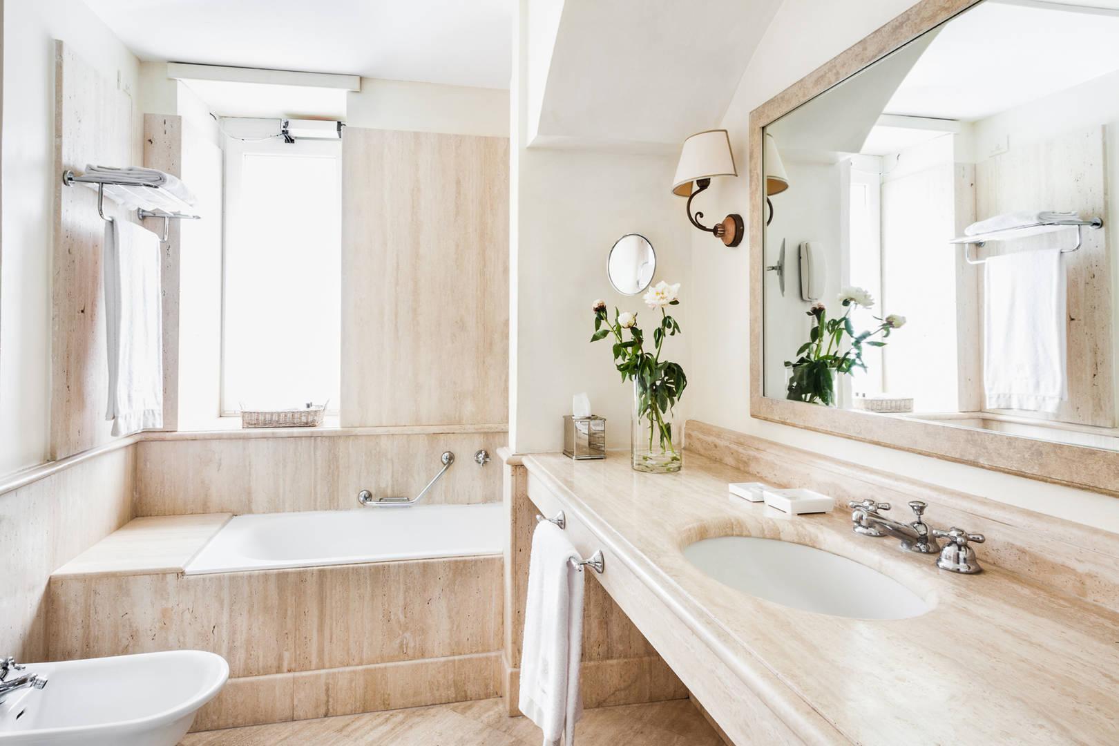 Capri Palace Jumeirah Classic Sea Side Bath Room