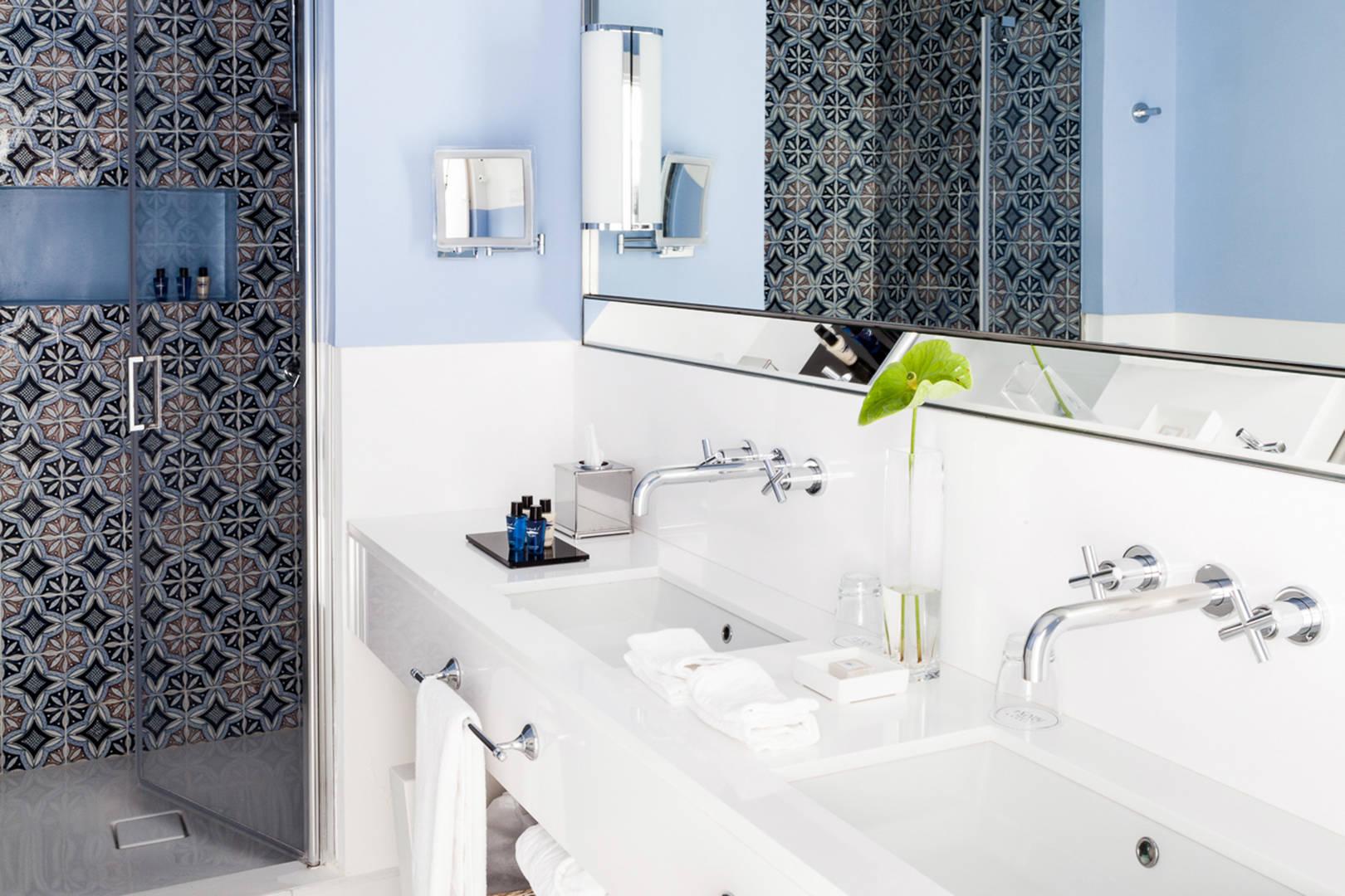 Capri Palace Jumeirah Junior Suite Garden Bathroom