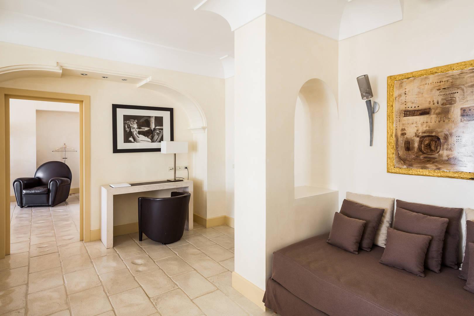 Capri Palace Jumeirah Monroe Suite sea side Living room
