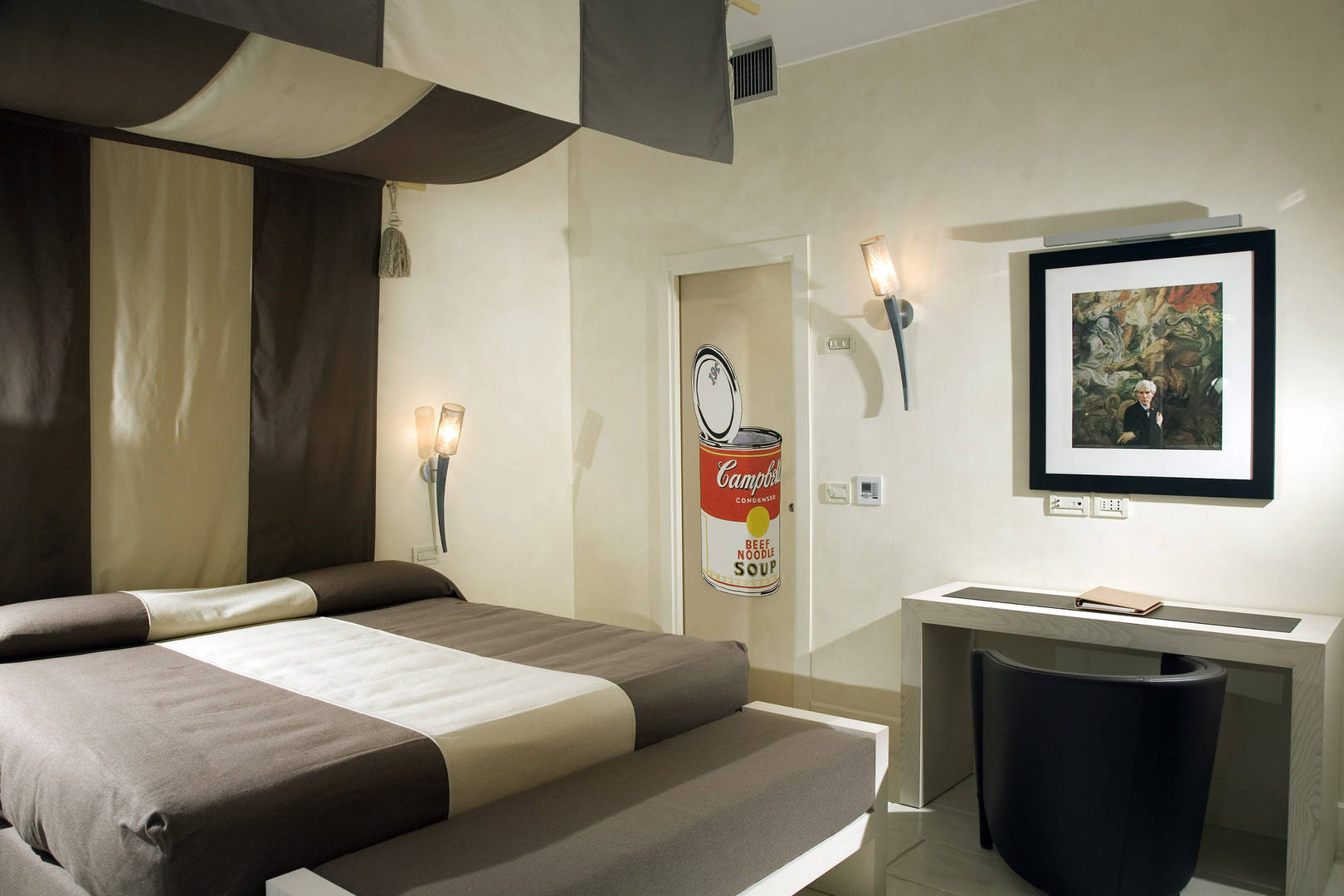 Capri Palace Jumeirah Suites wth Private Pool and Garden Warhol bedroom
