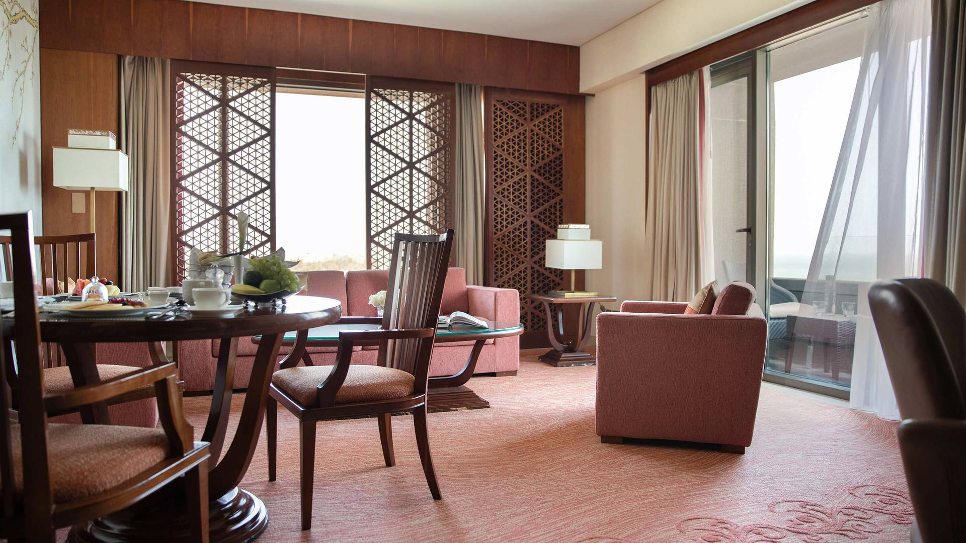 Jumeirah Messilah Beach Hotel deluxe suite