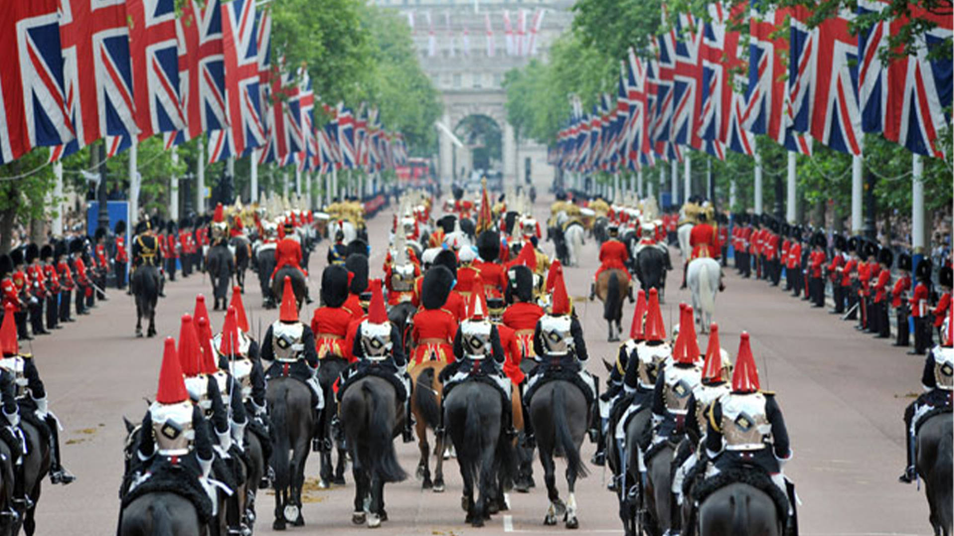 7 days out in london during spring trooping