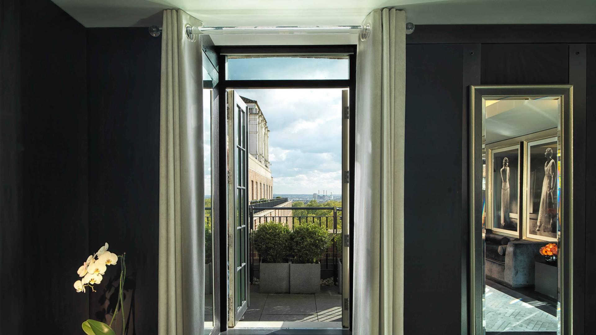 Door to balcony - Grosvenor Penthouse