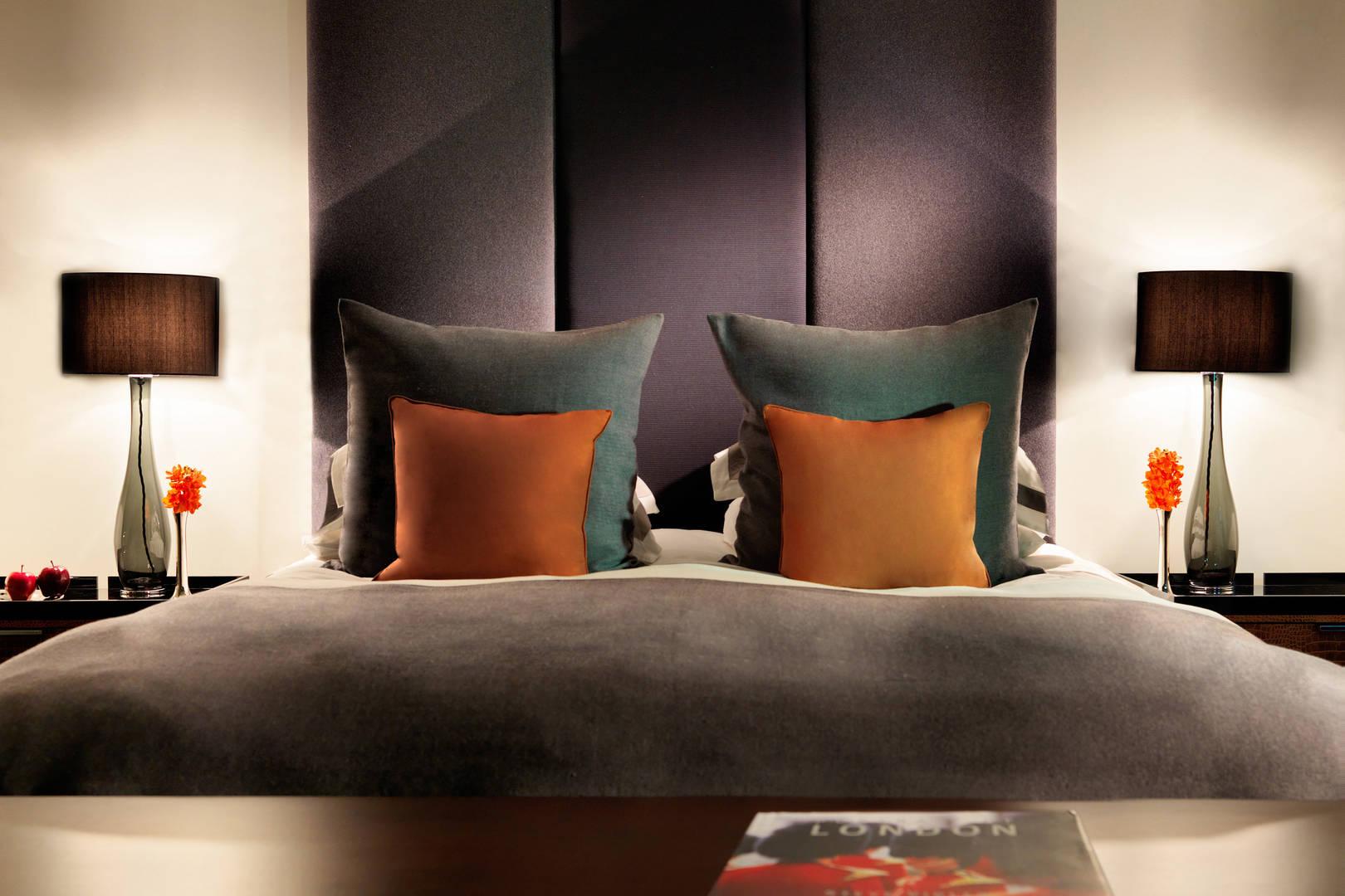 Bedroom at Jumeirah Grosvenor Hotel