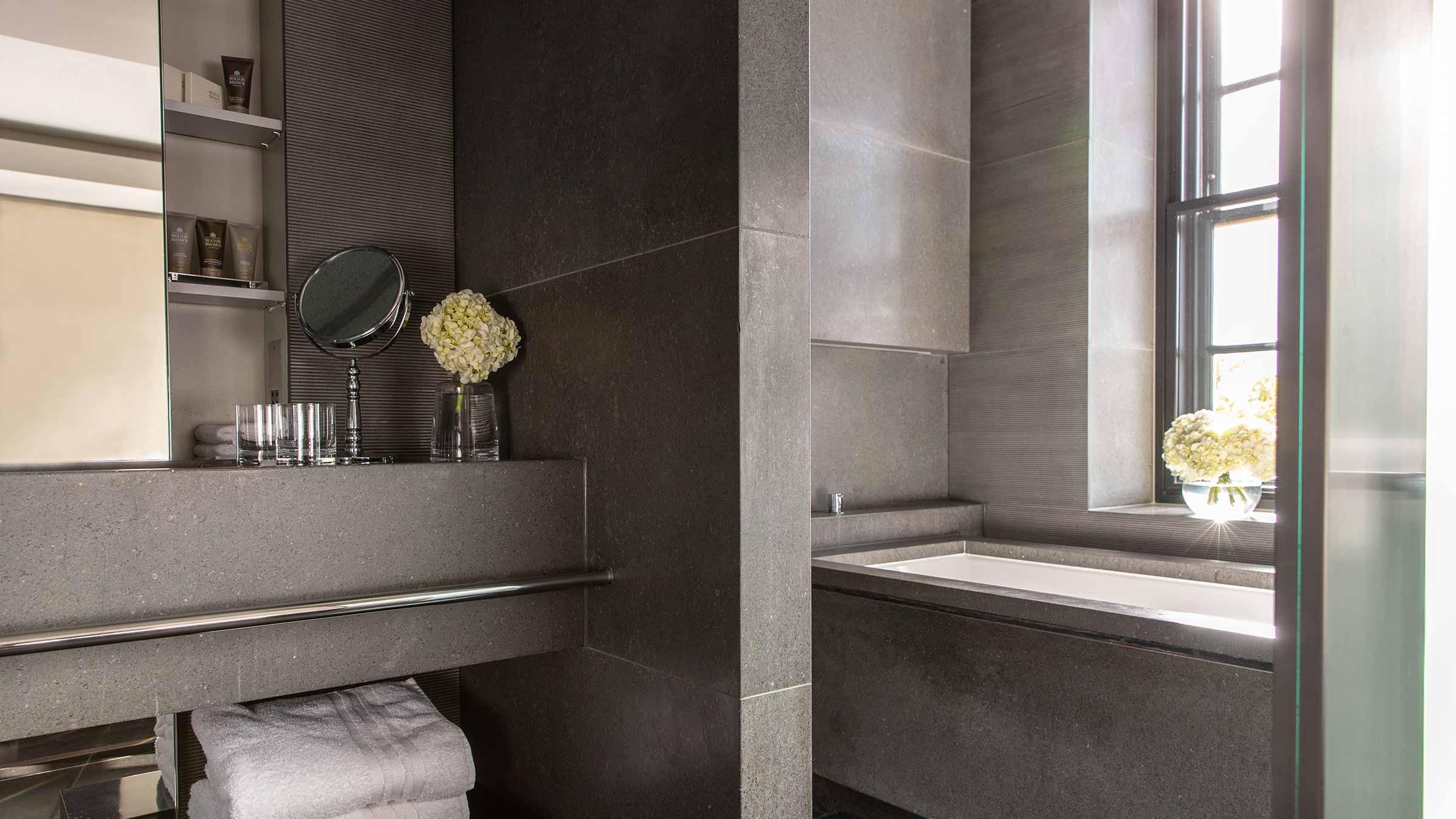 Bathroom  - Two Bedroom Park