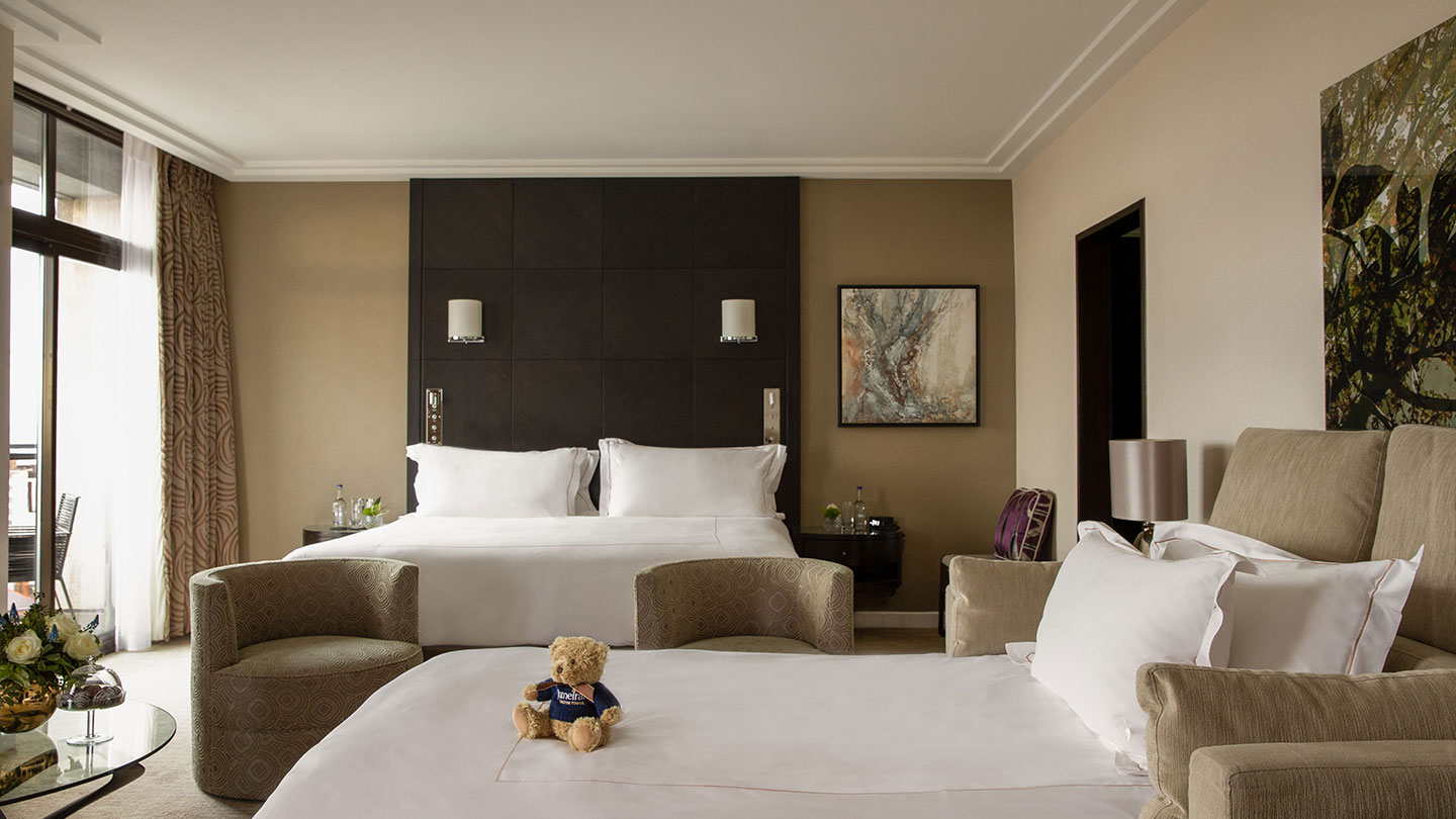 Jumeirah Carlton Tower Junior Suite with sofa bed
