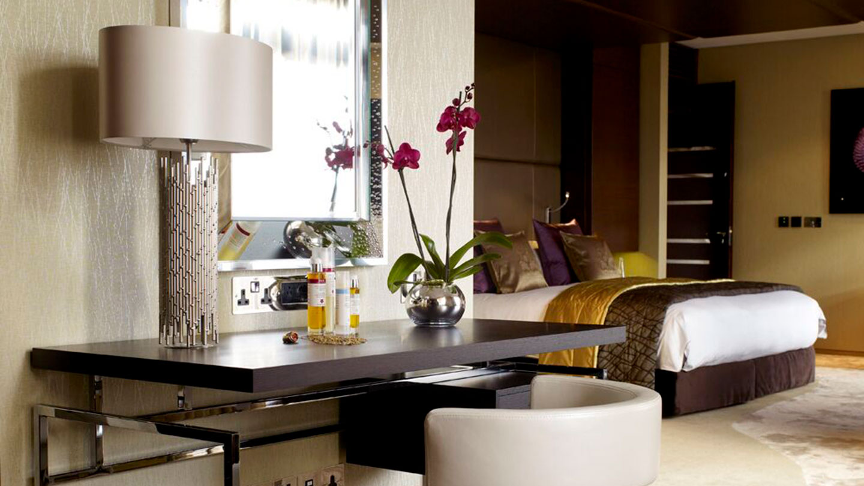 Jumeirah Carlton Tower Royal Suite Desk
