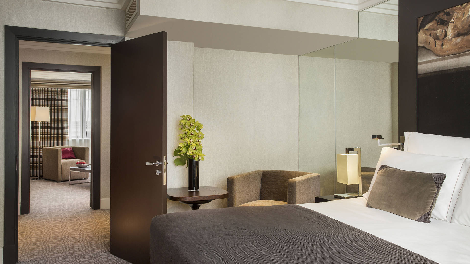Executive-Suite-Jumeirah-Lowndes-Hotel