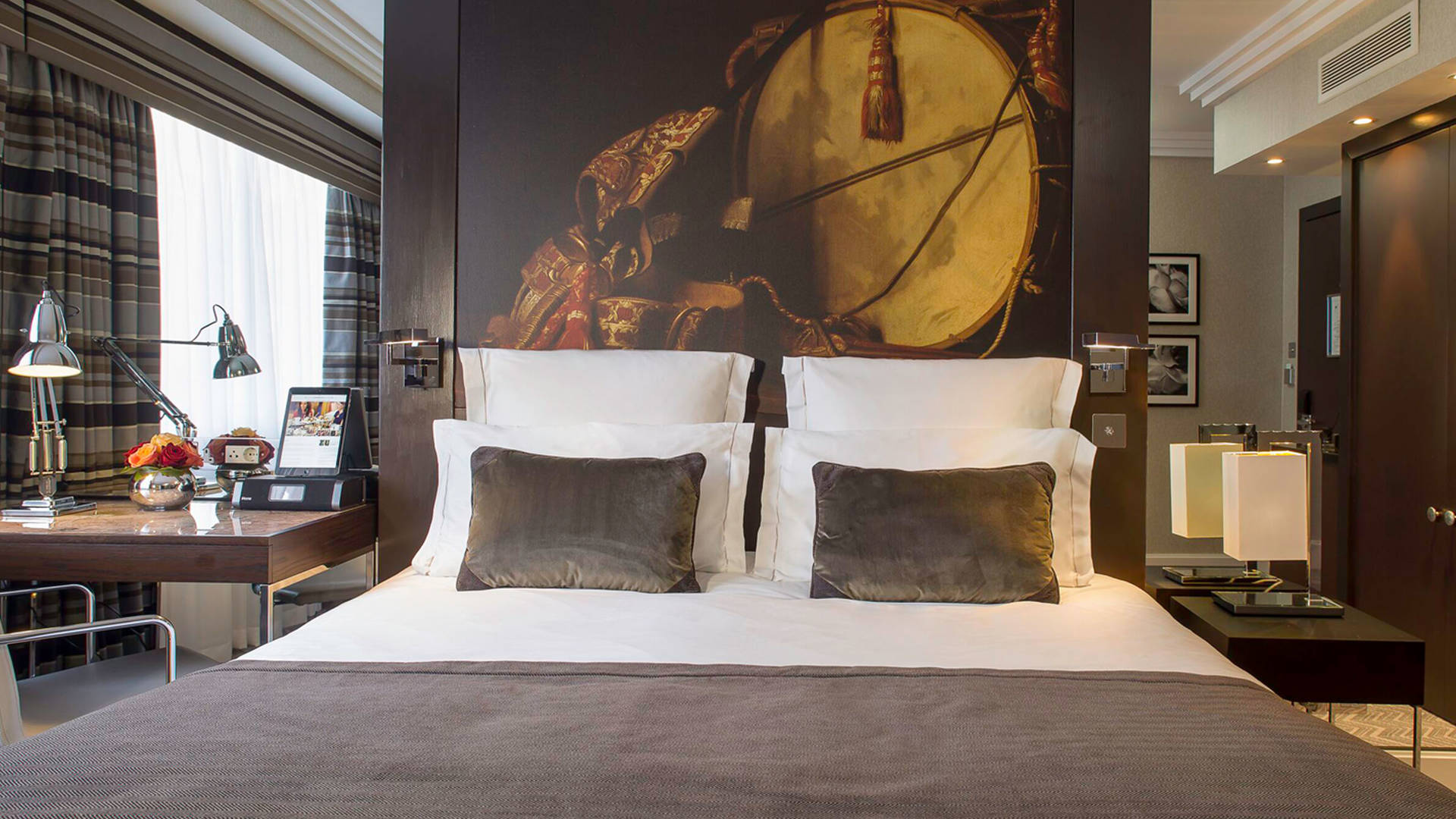 Superior Room at Jumeirah Lowndes Hotel