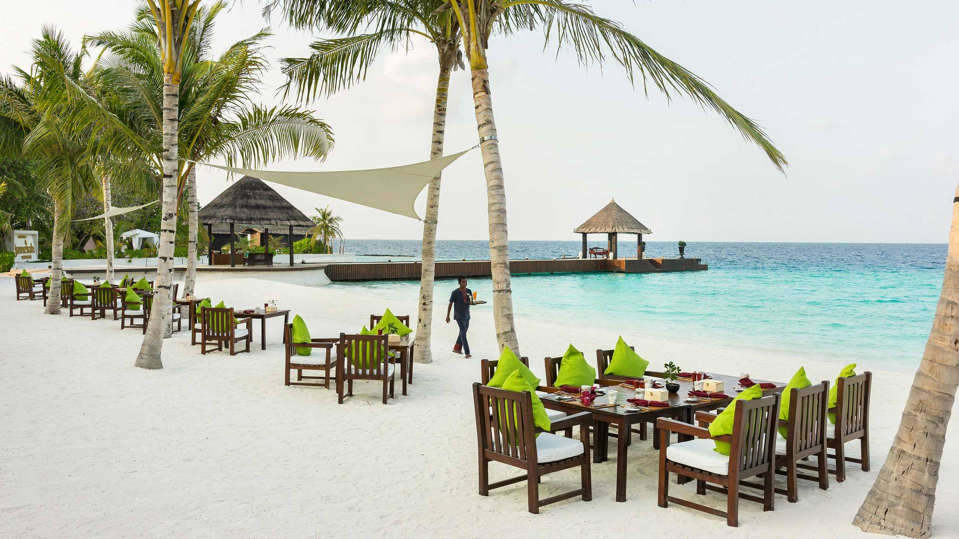 Jumeirah Vittaveli restaurant on the beach