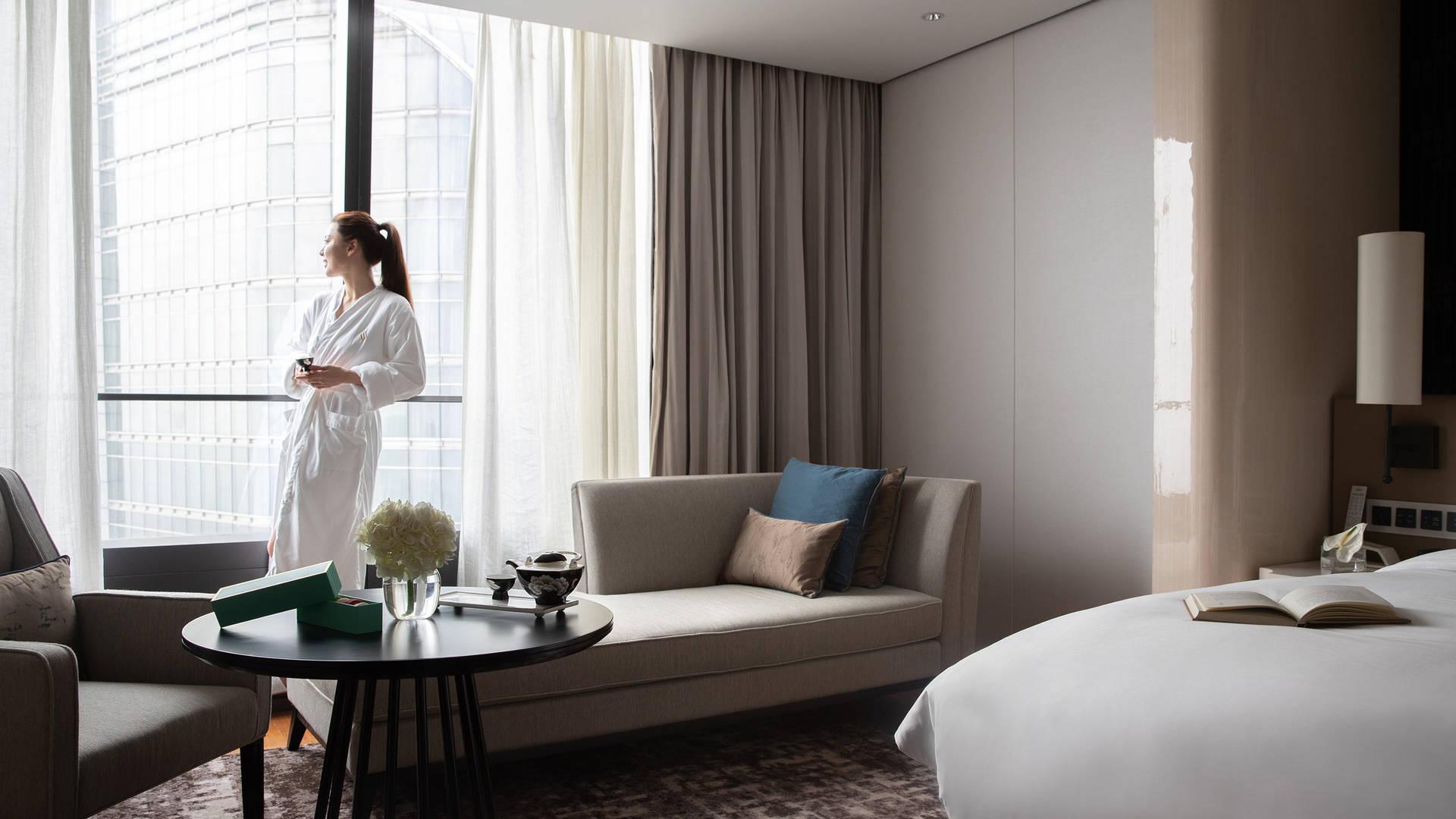 Jumeirah Nanjing Executive suite bedroom