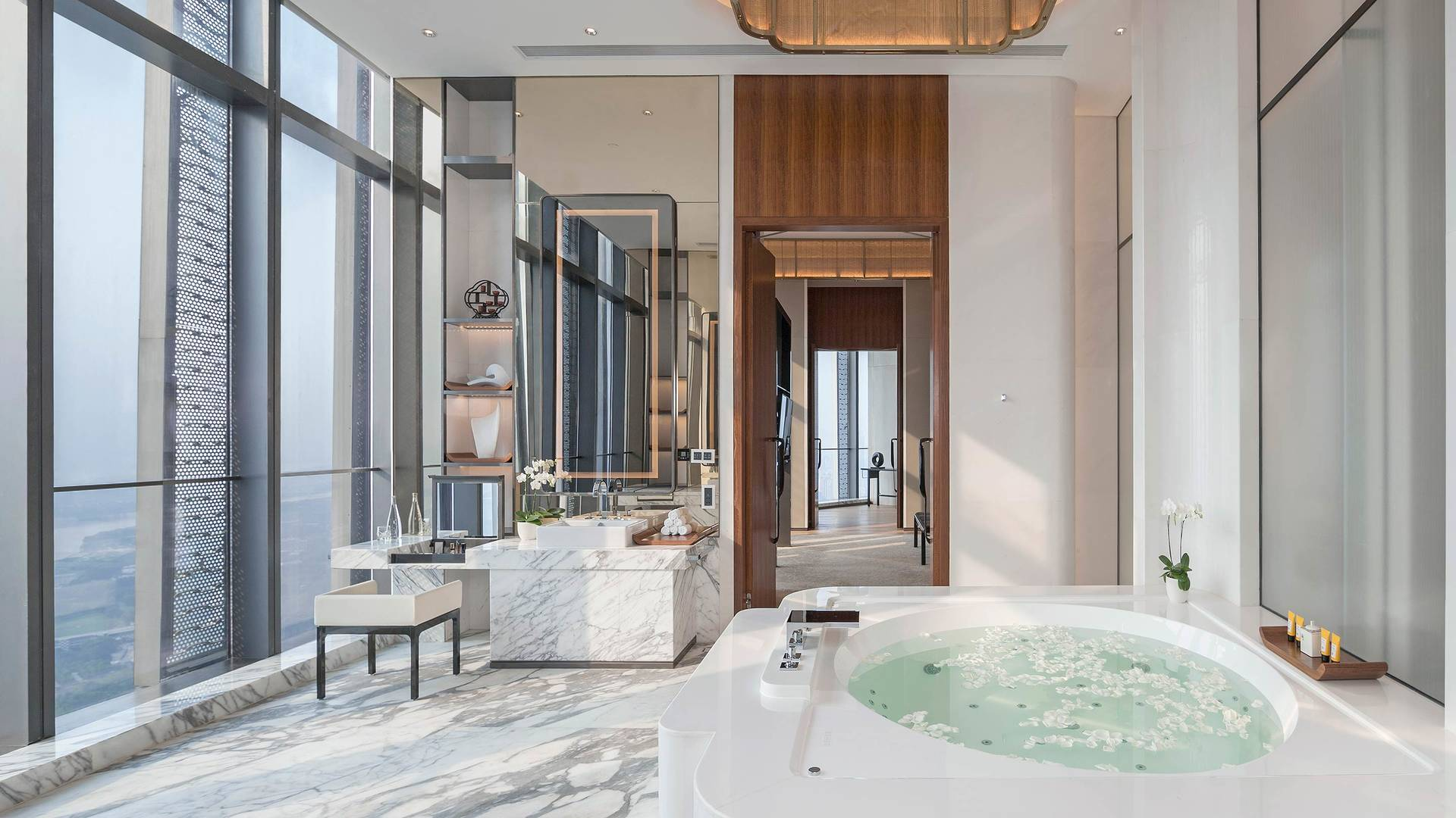 Jumeirah Nanjing Presidential suite business bathroom_16-9