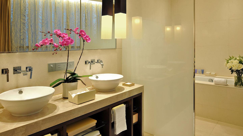 Jumeirah Himalayas Hotel Premier Room Bathroom